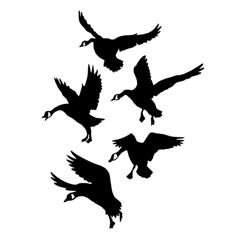 13.4*17.8CM Geese Landing Goose Interesting Hunting Bumper Car Stickers And Decal Black/Silver C9-2160