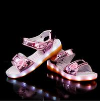 2017 European LED Children Sandals Hot Sales Princess Noble Recharged USB Girls Shoes Summer Fashion Lovely