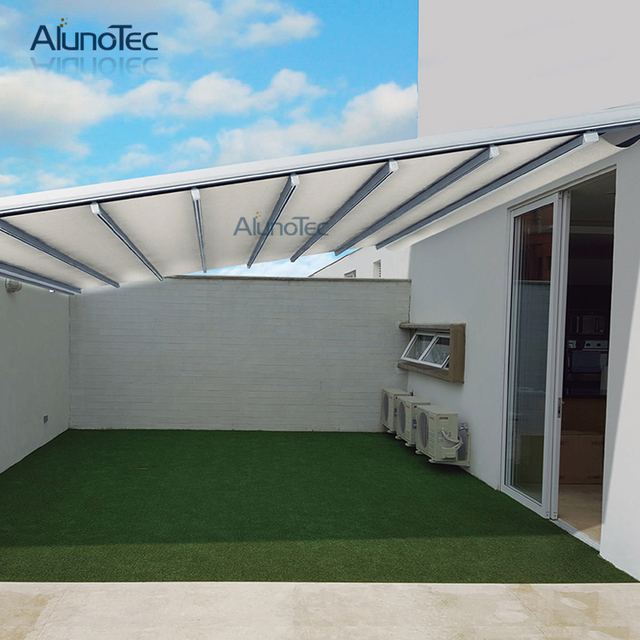 Waterproof Retractable Awning Motorized Pergola Systems 5m Width X Projection 3m Height