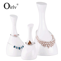 Oirlv Elegant Swan Shape White Color Resin Jewelry Display Stand For Hanging Pendant Necklace Display Holder
