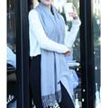 2017 Hot New Moda Mujer Bufandas Impreso Mujeres Abrigos Otoño Invierno Mantones de Las Señoras Bufanda de La Borla de 70% Estudios de Cachemira Bufanda Caliente