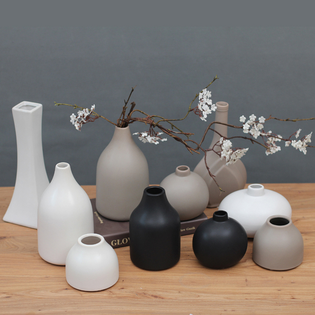 Classic black / white ceramic vase Chinese arts and crafts Decor contracted porcelain flower vase creative gift home decor 4