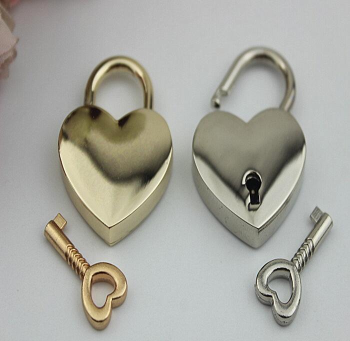(6 PCS/lot) shallow gold plating love shape of high-grade leather handbags padlock accessory