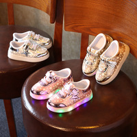 2017 Famous Brand Shinning LED Toddler First Walkers Baby Lighting Up Colorful Cool Sneakers Cute Lovely