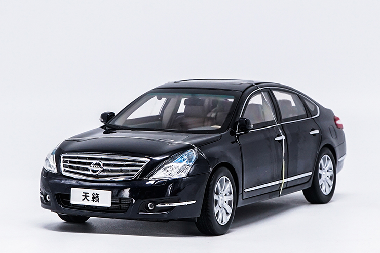 1:18 Diecast Model for Nissan Teana Maxima Altima 2008 Black Rare Alloy Toy Car Miniature Collection Gifts