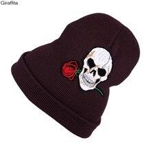 Nuevo sombrero caliente hecho punto del invierno mujeres sombreros Niñas  cráneo y rosa roja Cap Otoño Invierno gorros moda casua. 6a5f1593c40