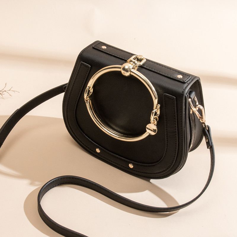 цена на Ms. new wild leather multi-color ring bag fashion trend hot leather portable Messenger saddle bag