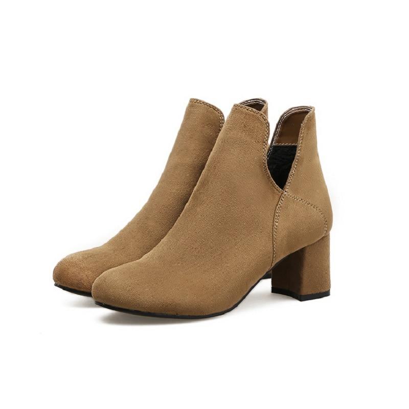 3e3749c6de9 2018 invierno nuevas botas de tacón alto puntiagudas gruesas con botines de  mujer de terciopelo grueso de Chelsea brwon 0219