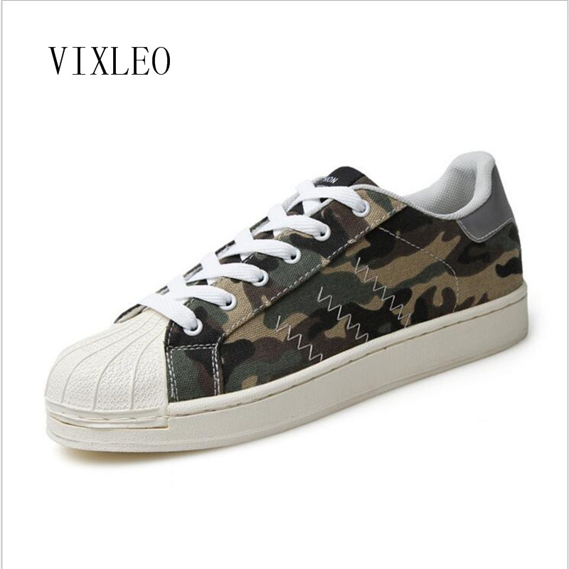 все цены на VIXLEO 2018 Couple Canvas Shoes Casual Mixed Color Printed Men Loafers Breathable Superstar Espadrilles Zapallias Hombre онлайн