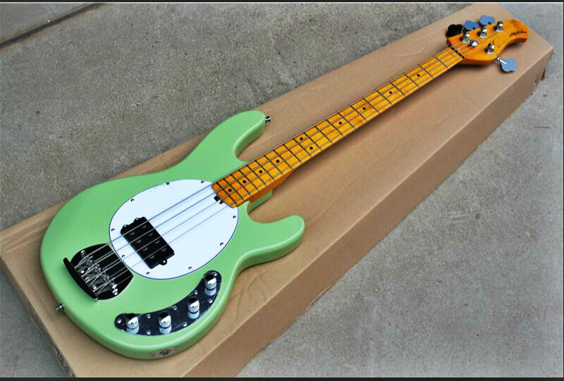 Top qualità FDMB 7011 verde chiaro di colore solido di colore del corpo bianco piastra di acero tastiera in 4 corde attivo Musicman Basso, Trasporto libero
