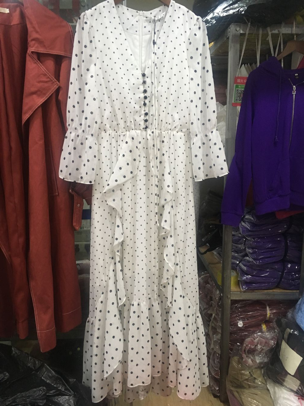 Printemps 2019 nouvelle vague Point robe avec taille haute avant court dos longue mode col en v robe col en v Dot robe femmes