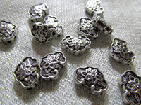 High Quality 100pcs Animals Charms Alloy Spacer Antique Silver Charms Silver OX Beach Finding Lead Nickel