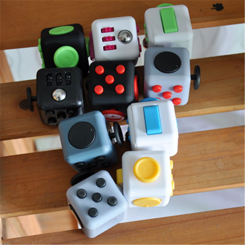 3.3cm Mini Fidget Cube Toy Vinyl Desk Finger Toys Squeeze Fun Stress Reliever High Quality Antistress Cubo Gift Boy Kids L1062