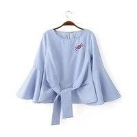 Nova europa camisa listrada mulheres doces manga flare bordado moda feminina encabeça coreano blusa com renda yhp8090