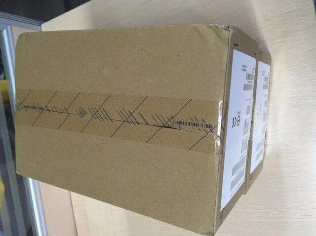 """Hard drive 00AJ081 00AJ082 00AJ085 X3850X6 X3650M5 2.5"""" 300GB 15K SAS 64MB one year warranty"""