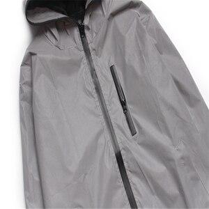 Image 5 - Uplzcoo Светоотражающая куртка для мужчин/женщин harajuku ветровка с капюшоном в стиле хип хоп Уличная Ночная блестящая куртка на молнии JA244