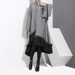 Image 5 - [EAM] 2020 새로운 봄 옷깃 긴 소매 붕대 솔리드 컬러 그레이 빅 헴 불규칙한 루즈 드레스 여성 패션 조수 JD717
