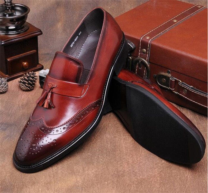 Men Itilian brogue shoescraved tassel shoes slip-on solid leather shoes pointed toe retro dress shoes derby shoesMen Itilian brogue shoescraved tassel shoes slip-on solid leather shoes pointed toe retro dress shoes derby shoes