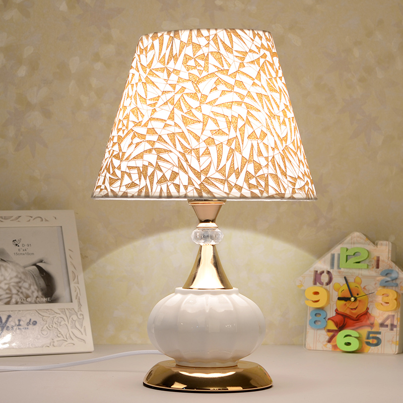 European ceramic table lamps remote bedroom bedside lamp dimming living room decoration personality study desk lamps ZA623 ZL50 tuda glass shell table lamps creative fashion simple desk lamp hotel room living room study bedroom bedside lamp indoor lighting