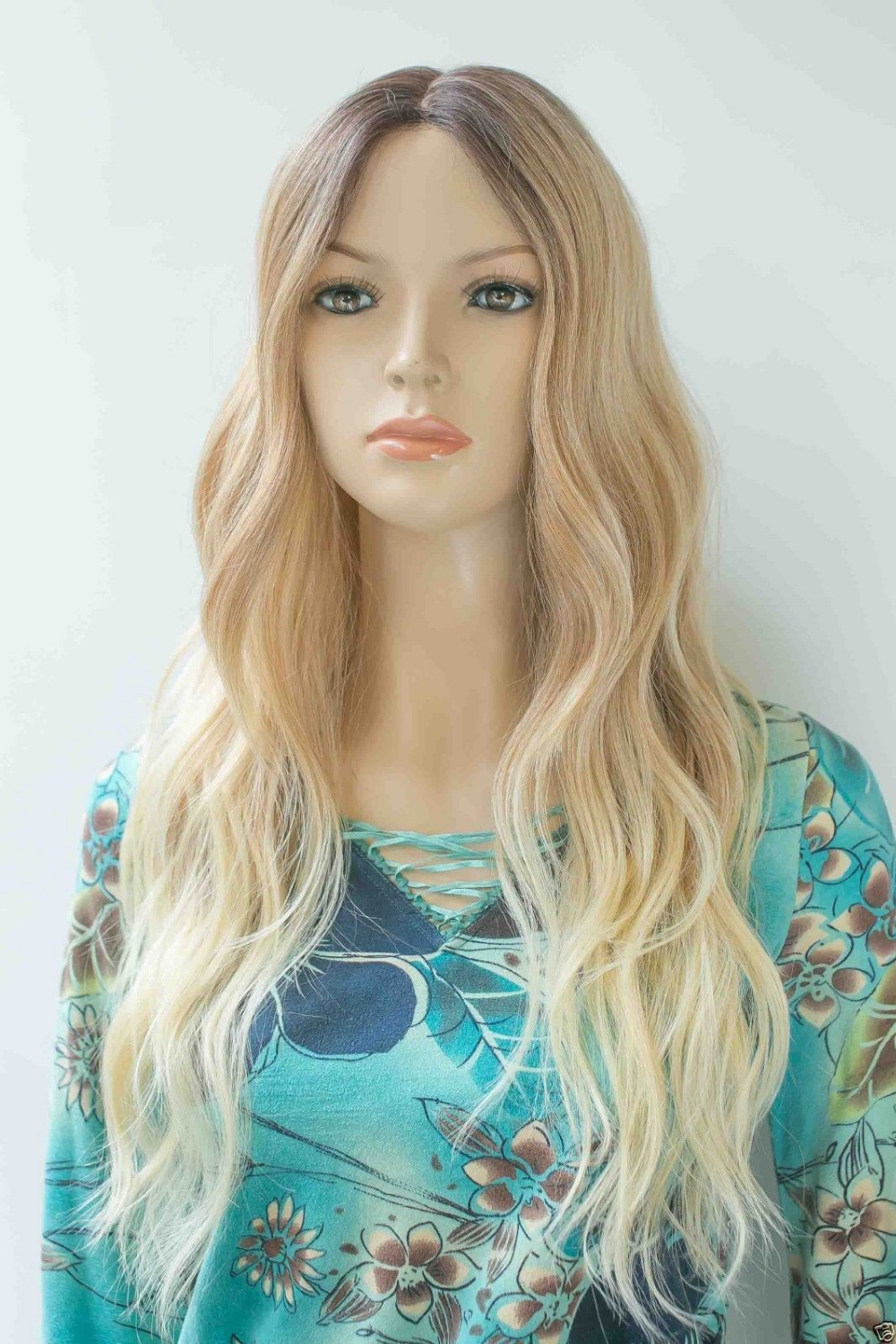 004284 Ombre Brown to Blonde Vavy Hi-Quality Heat Friendly Small lace front long Wig