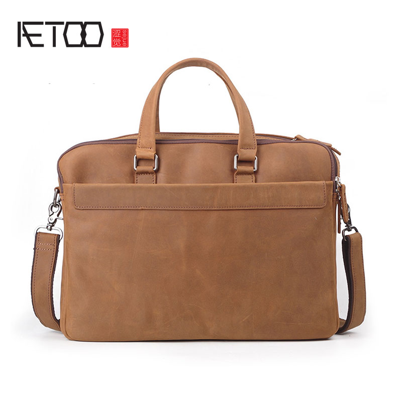 AETOO Europe and the United States fashion head cowhide men's large-capacity computer bag lady crazy horse shoulder Messenger ba the law and the lady