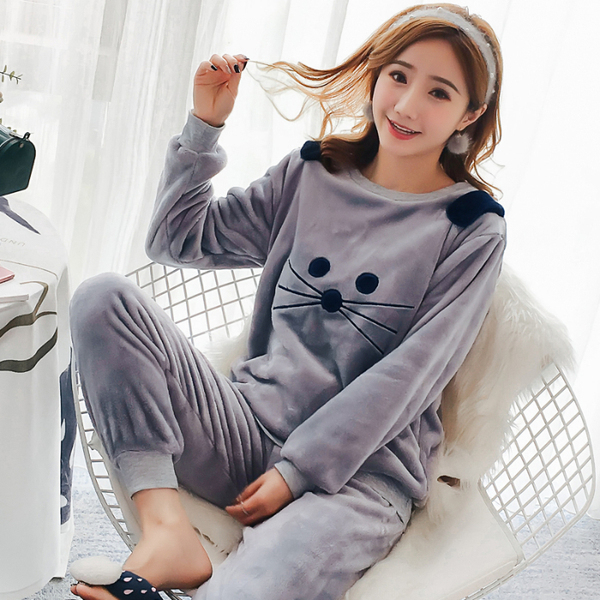 2018 Winter Pajamas Full Length Leisure Print Pink Long Sleeve Thicken Warm  Flannel Pajamas Sets for Women Warm Girl Sleepwear 47cd8c8d5
