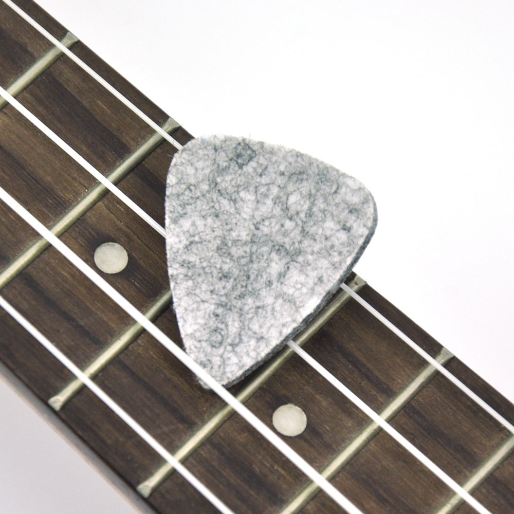 Купить с кэшбэком Wholesale 100pcs/lot Natural Wool Felt 3mm Guitar Picks Plectrums for Ukelele