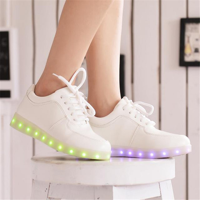 Led shoes for adults 2017 fashion led light shoes women casual shoes led luminous women
