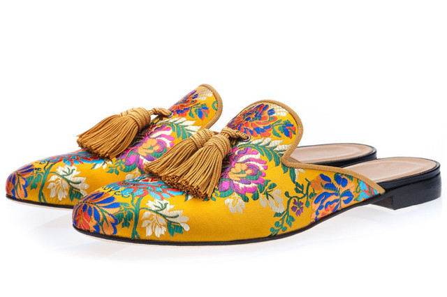 5eaaff78a4e46 Qianruiti Brand 2019 Luxury Slippers Embroidered Multicolor Loafers Men's  Casual Shoes Slip On Floral Prints Tassel Flat Mules-in Men's Casual Shoes  from ...