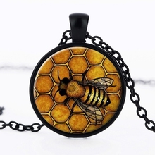 SUTEYI Creative The Bees Pattern Necklace Glass Cabochon Pendant Fashion Jewelry Black Statement Necklace Chain Gift for Women