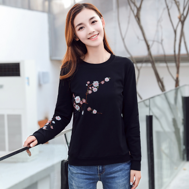 2018 Autumn New Fashion Flowers Embroidery Long sleeve Hoodies Women Round neck Pullover Sweatshirt Large size Female Tracksuit in Hoodies amp Sweatshirts from Women 39 s Clothing