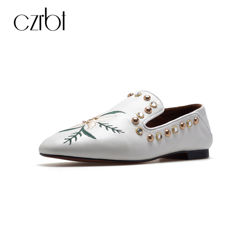 CZRBT Plus Size Fashion Women Shoes Genuine Leather Loafers Rivet Embroidery Shallow Mouth Flat Shoes Spring Autumn Casual Flats mcckle woman fashion plus size shoes women black flats loafers shoes casual comfort shallow mouth work shoes brand ladies shoes