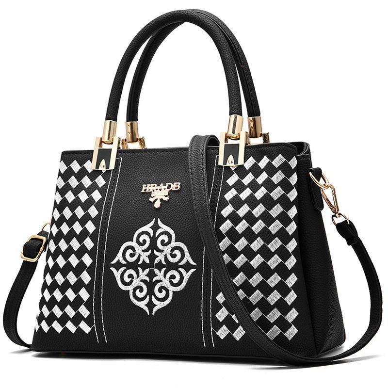 Elegant woman embroidery handbag luxury brand handbag designer 3D relief shoulder bag large capacity ladies handbag sac a main