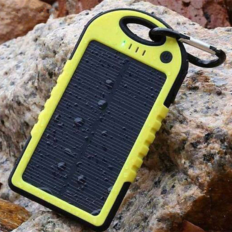 3C Hot Waterproof Solar Power Bank 8000mAh Portable Charger Travel Battery Powerbank for Xiaomi Iphone 5S 6 4S HTC Sumsang