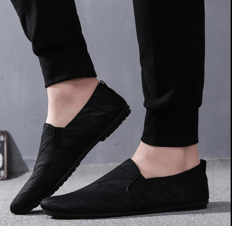 Black Men Sneaker Shonorabl Men Shoes The Spring Of 2019 New Loafers Flat Sexy Comfortable White Walking Shoes Confident Man