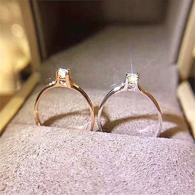 Женское кольцо с фианитом розовое золото серебро 2019