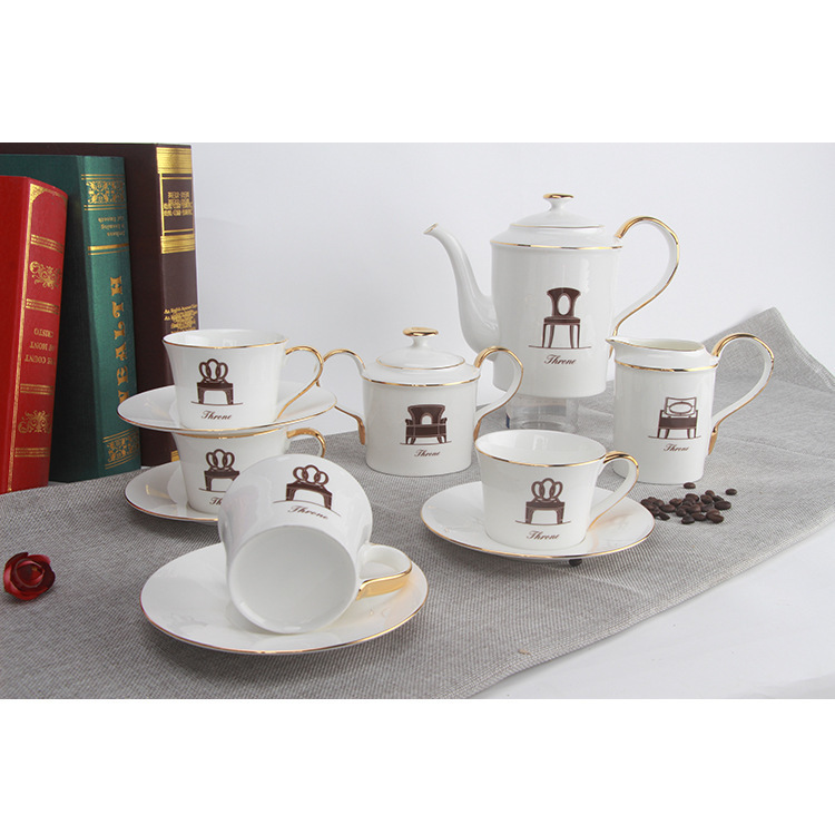 Europe du nord angleterre ensemble de thé en céramique Service de café costume Trace un Design en or bord trône motif après-midi salon de thé