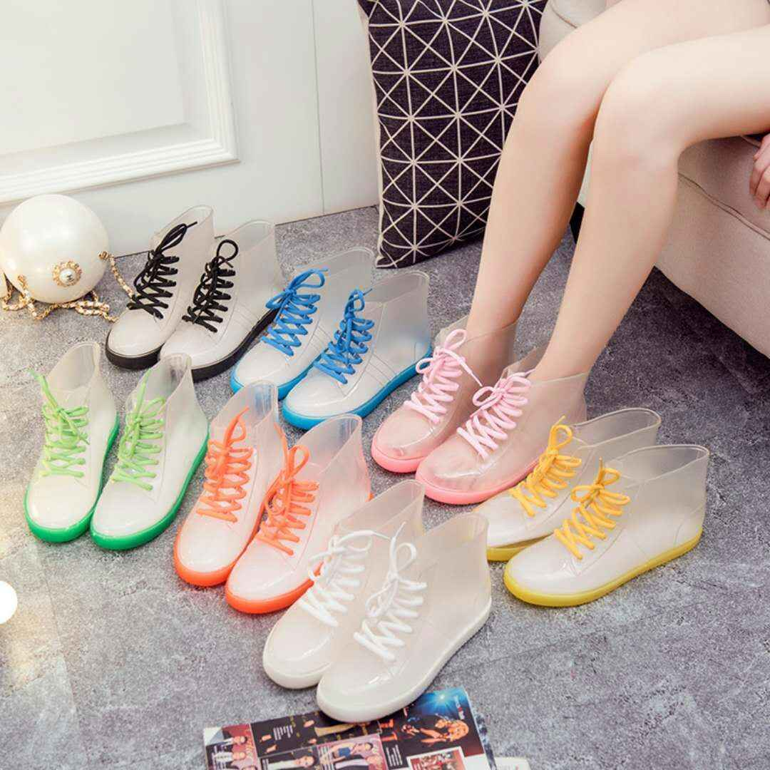 PVC moda kadınlar şeffaf yağmur çizmeleri kauçuk Lace Up kadın yarım çizmeler su geçirmez rahat konfor bayanlar Martin çizmeler ayakkabı