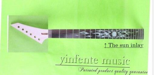Une guitare cou érable cou et palissandre planche à doigts 25.5 22 frette écrou largeur 42mm talon largeur 56mm vernis Transparent