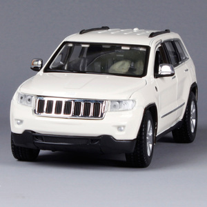 Image 2 - Maisto 1:24 Jeep Grand Cherokee SUV Diecast Model Car Toy New In Box Free Shipping 31205