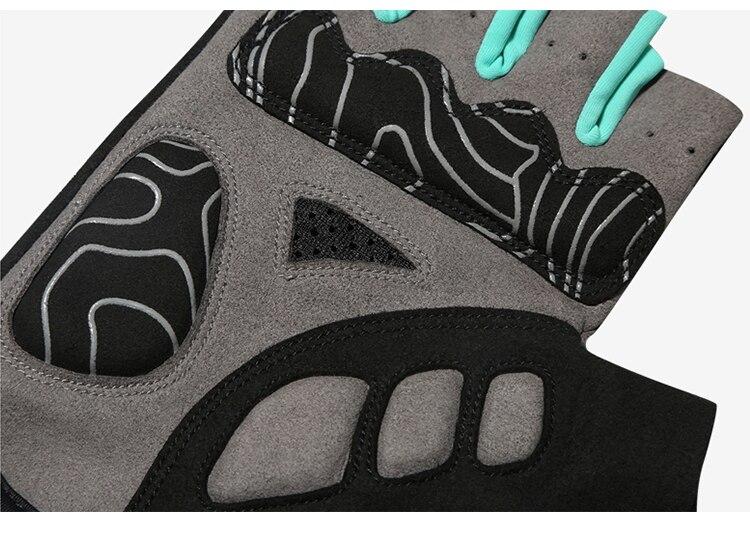 Gloves3_14