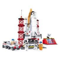 25806 560Pcs Model building kits Compatible with Space Ship Shuttle Launching Base 3D Bricks figure toys for children
