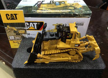 New Packing – DM Model 85158 – Cat D10T Track-Type Tractor 1/50 Scale DieCast