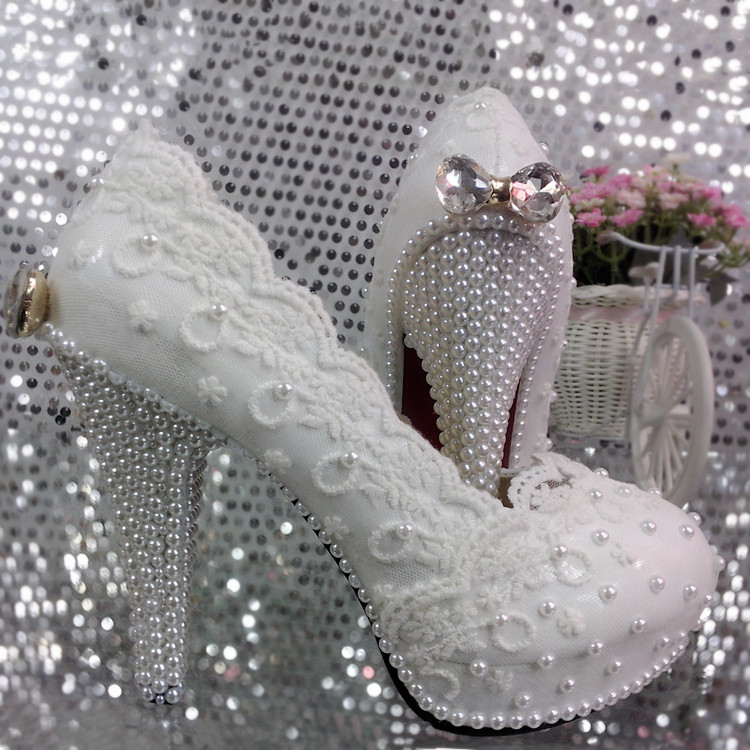 ФОТО Elegant Lace Flower Wedding Shoes Pearl bow Shoes Bridal Shoes White single Shoes pumps 11cm heel large size 41-42 Free Shipping