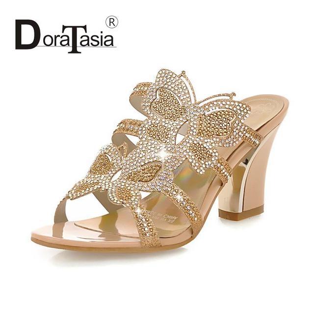 Big size 34-43 Moda Slides Rhinestone Borboleta Impressão Flip Flops Sapatos Recortes de Salto Alto Verão Dedo Aberto Sandálias das mulheres