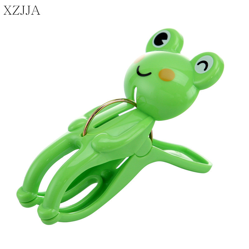 XZJJA 2PCS Creative Clothes Pegs Cute Frog Bear Laundry Hanging Clothes Pins Beach Towel Clips Quilt Clamp Household Clothespins