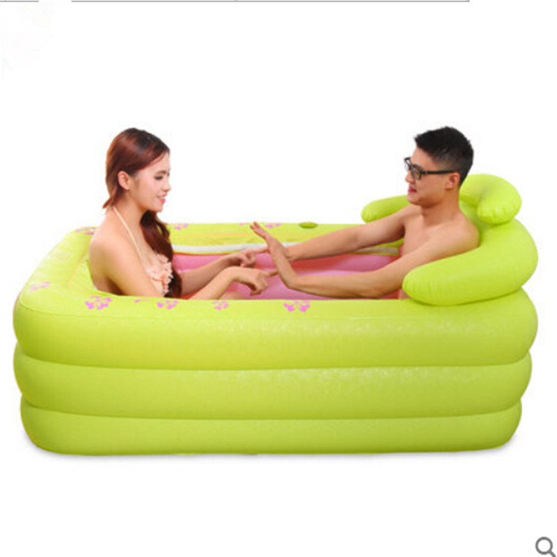 Two people use Inflatable bath tub bath thick plastic folding bath tub bath bucket bucket adult