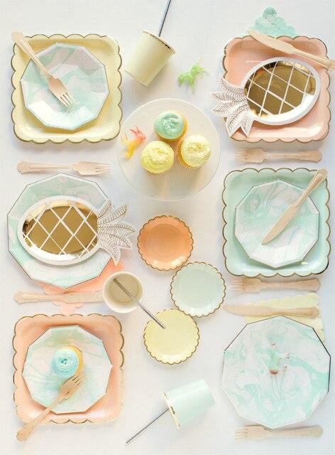 Flor Golden Edge vajilla desechable Rosa taza y plato de papel paja torta cuchillo de madera tenedor partido suministros Palacio europeo boda