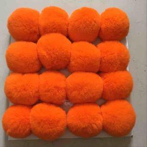 Image 5 - 8 cm Pompons De Pele Real Natural Rex Coelho Cabelo lâmpada Bola Pom Pom para Lâmpada Keychain Bag Pingente poret clef para DIY 16 pcs Atacado