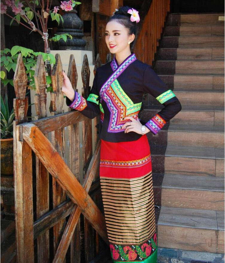 Chinese Yunnan Dai costume traditional retro modern clothing female black long sleeves holiday dress photo activity Outfit in Asia Pacific Islands Clothing from Novelty Special Use